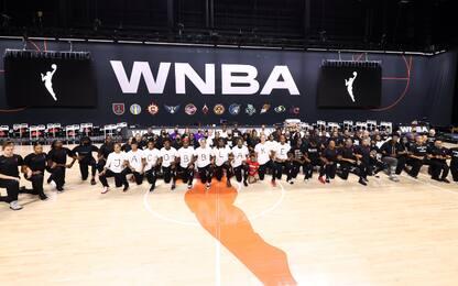 Si ferma la WNBA: maglie con 7 fori sulla schiena