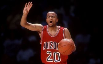 7 JAN 1993:  DAMON STOUDAMIRE GUARD FOR THE ARIZONA WILDCATS IN ACTION AGAINST UCLA DURING A PACIFIC-10 CONFERENCE GAME AT PAULEY PAVILION IN LOS ANGELES, CALIFORNIA.