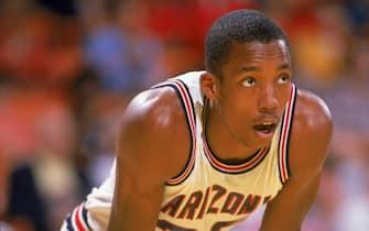 TUCSON, ARIZONA - 1990-2001:  Sean Elliott #32 of the University of Arizona Wildcats rests on court during a  season game in Tucson, Arizona . (Photo by: Bernstein Associates/Getty Images)