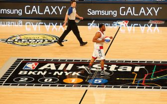 NEW YORK, NY - FEBRUARY 13:  Chadwick Boseman of the East Team shoots the ball during the Sprint NBA All-Star Celebrity Game as part of 2015 All-Star Weekend at Madison Square Garden on February 13, 2015 in New York, New York. NOTE TO USER: User expressly acknowledges and agrees that, by downloading and/or using this photograph, user is consenting to the terms and conditions of the Getty Images License Agreement.  Mandatory Copyright Notice: Copyright 2015 NBAE (Photo by Tyler Kaufman/NBAE via Getty Images)