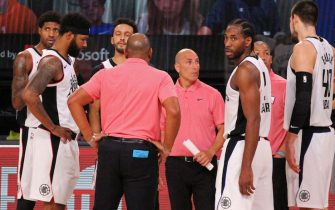 ORLANDO, FL - SEPTEMBER 9: The LA Clippers huddle up during Round Two, Game Four of the Western Conference Semifinals of the NBA Playoffs against the Denver Nuggets on September 9, 2020 at the AdventHealth Arena at ESPN Wide World Of Sports Complex in Orlando, Florida. NOTE TO USER: User expressly acknowledges and agrees that, by downloading and/or using this Photograph, user is consenting to the terms and conditions of the Getty Images License Agreement. Mandatory Copyright Notice: Copyright 2020 NBAE (Photo by Madison Quisenberry/NBAE via Getty Images)