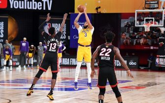 ORLANDO, FL - OCTOBER 6: Anthony Davis #3 of the Los Angeles Lakers shoots a three point basket during the game against the Miami Heat during Game Four of the NBA Finals on October 6, 2020 at The AdventHealth Arena at ESPN Wide World Of Sports Complex in Orlando, Florida. NOTE TO USER: User expressly acknowledges and agrees that, by downloading and/or using this Photograph, user is consenting to the terms and conditions of the Getty Images License Agreement. Mandatory Copyright Notice: Copyright 2020 NBAE (Photo by Andrew D. Bernstein/NBAE via Getty Images)