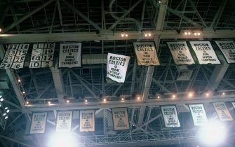 BOSTON - 1986:  The Boston Celtics 1986 NBA Championship banner gets raised to the rafters joining their previous Celtics' championship banners hanging from the rafters at the Boston Garden in Boston, Massachusetts.  NOTE TO USER: User expressly acknowledges that, by downloading and or using this photograph, User is consenting to the terms and conditions of the Getty Images License agreement. Mandatory Copyright Notice: Copyright 1986 NBAE (Photo by Dick Raphael/NBAE via Getty Images)