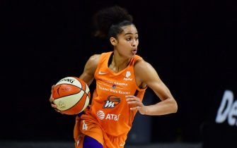 PALMETTO, FLORIDA - SEPTEMBER 17: Skylar Diggins-Smith #4 of the Phoenix Mercury dribbles up court in the first half against the Minnesota Lynx during Game One of their Second Round playoff at Feld Entertainment Center on September 17, 2020 in Palmetto, Florida. NOTE TO USER: User expressly acknowledges and agrees that, by downloading and or using this photograph, User is consenting to the terms and conditions of the Getty Images License Agreement. (Photo by Julio Aguilar/Getty Images)