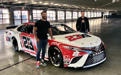 NASCAR: svelata l'auto di Michael Jordan. FOTO