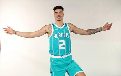 Zeller, Ball e gli Hornets versione mini-basket