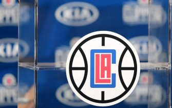 The logo of the Los Angeles Clippers is seen during a press conference in Los Angeles on July 24, 2019. (Photo by FREDERIC J. BROWN / AFP) (Photo by FREDERIC J. BROWN/AFP via Getty Images)