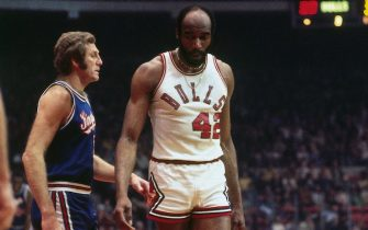 CHICAGO - 1975:  Nate Thurmond #42 of the Chicago Bulls walks on the court against the Kansas City Kings during a game played in 1975 at Chicago Stadium in Chicago, Illinois. NOTE TO USER: User expressly acknowledges and agrees that, by downloading and or using this photograph, User is consenting to the terms and conditions of the Getty Images License Agreement. Mandatory Copyright Notice: Copyright 1975 NBAE (Photo by Dick Raphael/NBAE via Getty Images)