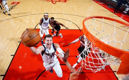 Giannis show, Doncic batte Harden, i Sixers volano