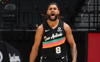 LOS ANGELES, CA - JANUARY 5: Patty Mills #8 of the San Antonio Spurs celebrates during the game against the LA Clippers on January 5, 2021 at STAPLES Center in Los Angeles, California. NOTE TO USER: User expressly acknowledges and agrees that, by downloading and/or using this Photograph, user is consenting to the terms and conditions of the Getty Images License Agreement. Mandatory Copyright Notice: Copyright 2021 NBAE (Photo by Adam Pantozzi/NBAE via Getty Images)