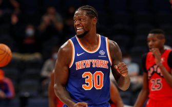 TAMPA BAY, FL - DECEMBER 31: Julius Randle #30 of the New York Knicks celebrates during the game against the Toronto Raptors on December 31, 2020 at the Amalie Arena in Tampa Bay, Florida.  NOTE TO USER: User expressly acknowledges and agrees that, by downloading and or using this Photograph, user is consenting to the terms and conditions of the Getty Images License Agreement.  Mandatory Copyright Notice: Copyright 2020 NBAE (Photo by Scott Audette/NBAE via Getty Images)
