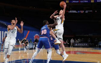NEW YORK, NY - JANUARY 6: Joe Ingles #2 of the Utah Jazz drives to the basket during the game against the New York Knicks on January 6, 2021 at Madison Square Garden in New York City, New York.  NOTE TO USER: User expressly acknowledges and agrees that, by downloading and or using this photograph, User is consenting to the terms and conditions of the Getty Images License Agreement. Mandatory Copyright Notice: Copyright 2021 NBAE  (Photo by Nathaniel S. Butler/NBAE via Getty Images)