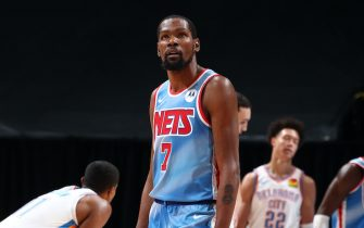 BROOKLYN, NY - JANUARY 10: Kevin Durant #7 of the Brooklyn Nets looks on during the game against the Oklahoma City Thunder on January 10, 2021 at Barclays Center in Brooklyn, New York. NOTE TO USER: User expressly acknowledges and agrees that, by downloading and or using this Photograph, user is consenting to the terms and conditions of the Getty Images License Agreement. Mandatory Copyright Notice: Copyright 2021 NBAE (Photo by Nathaniel S. Butler/NBAE via Getty Images)