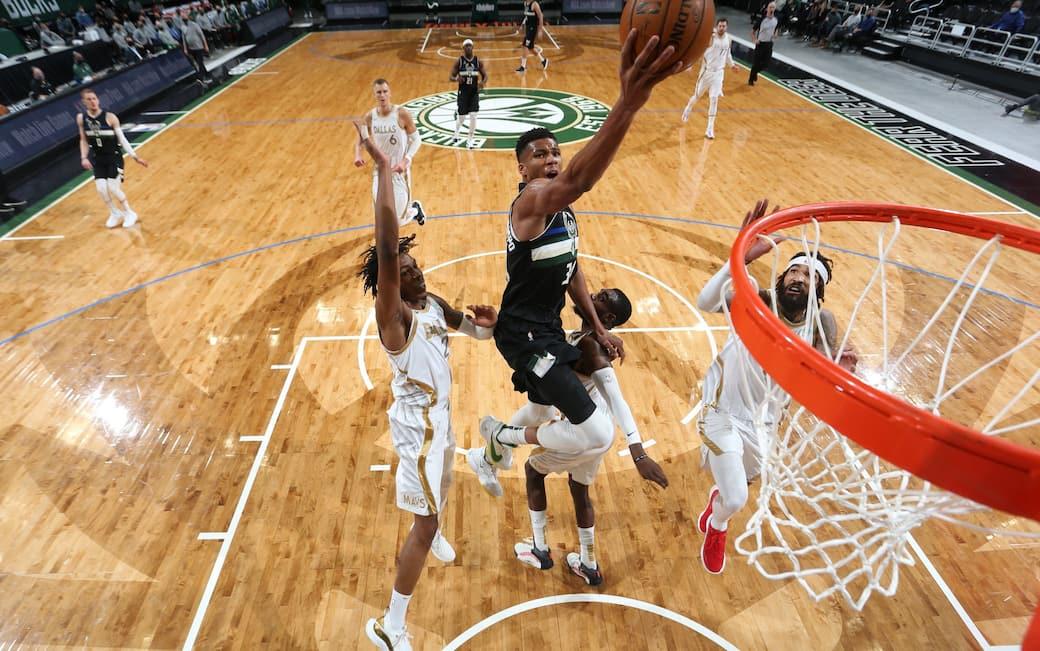 NBA – I risultati della notte: Giannis batte Luka. Clippers e Celtics ok
