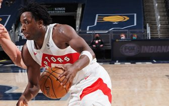 INDIANAPOLIS, IN - JANUARY 24: OG Anunoby #3 of the Toronto Raptors handles the ball during the game against the Indiana Pacers on January 24, 2021 at Bankers Life Fieldhouse in Indianapolis, Indiana. NOTE TO USER: User expressly acknowledges and agrees that, by downloading and or using this Photograph, user is consenting to the terms and conditions of the Getty Images License Agreement. Mandatory Copyright Notice: Copyright 2021 NBAE (Photo by Ron Hoskins/NBAE via Getty Images)