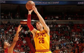 MIAMI, FL - MARCH 4: Kyle Korver #26 of the Cleveland Cavaliers shoots the ball against the Miami Heat during the game on March 4, 2017 at American Airlines Arena in Miami, Florida. NOTE TO USER: User expressly acknowledges and agrees that, by downloading and or using this Photograph, user is consenting to the terms and conditions of the Getty Images License Agreement. Mandatory Copyright Notice: Copyright 2017 NBAE (Photo by Oscar Baldizon/NBAE via Getty Images)
