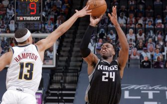 SACRAMENTO, CA - FEBRUARY 6: Buddy Hield #24 of the Sacramento Kings shoots the ball during the game against the Denver Nuggets on February 6, 2021 at Golden 1 Center in Sacramento, California. NOTE TO USER: User expressly acknowledges and agrees that, by downloading and or using this Photograph, user is consenting to the terms and conditions of the Getty Images License Agreement. Mandatory Copyright Notice: Copyright 2021 NBAE (Photo by Rocky Widner/NBAE via Getty Images)