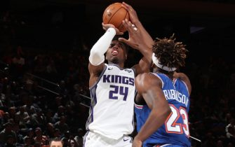 NEW YORK, NY - NOVEMBER 3: Buddy Hield #24 of the Sacramento Kings shoots the ball against the New York Knicks on November 3, 2019 at Madison Square Garden in New York City, New York.  NOTE TO USER: User expressly acknowledges and agrees that, by downloading and or using this photograph, User is consenting to the terms and conditions of the Getty Images License Agreement. Mandatory Copyright Notice: Copyright 2019 NBAE  (Photo by Nathaniel S. Butler/NBAE via Getty Images)