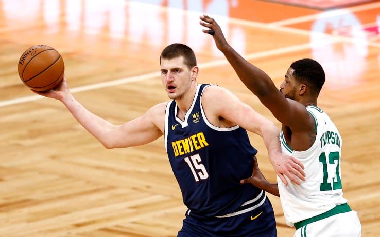 NBA – I risultati della notte: Boston doma Jokic, Bucks in crisi, Lakers ok