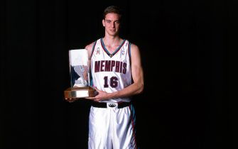 MEMPHIS, TENNESSEE - APRIL 24:  Pau Gasol #16 of the Memphis Grizzlies the 2001/2002 Got Milk Rookie of the Year in Memphis, Tennessee. NOTE TO USER:  User expressly acknowledges and agrees that, by downloading and/or using this Photograph, User is consenting to the terms and conditions of the Getty Images License Agreement. Mandatory copyright notice: Copyright 2002 NBAE (Photo by: Joe Murphy/NBAE via Getty Images)