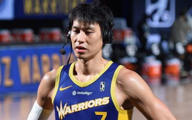 ORLANDO, FL - FEBRUARY 18: Jeremy Lin #7 of the Santa Cruz Warriors speaks to the media after the game against the Fort Wayne Mad Ants on February 18, 2021 at AdventHealth Arena in Orlando, Florida. NOTE TO USER: User expressly acknowledges and agrees that, by downloading and/or using this photograph, user is consenting to the terms and conditions of the Getty Images License Agreement. Mandatory Copyright Notice: Copyright 2021 NBAE (Photo by Juan Ocampo/NBAE via Getty Images)