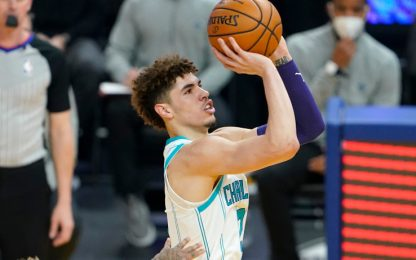 LaMelo segna da 3 ed esulta come Carmelo. VIDEO