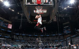 ATLANTA, GA - MARCH 7: Anfernee Simons #1 of the Portland Trail Blazers dunks the ball during the AT&T Slam Dunk Contest as part of 2021 NBA All Star Weekend on March 7, 2021 at State Farm Arena in Atlanta, Georgia. NOTE TO USER: User expressly acknowledges and agrees that, by downloading and or using this photograph, User is consenting to the terms and conditions of the Getty Images License Agreement. Mandatory Copyright Notice: Copyright 2021 NBAE (Photo by Nathaniel S. Butler/NBAE via Getty Images)