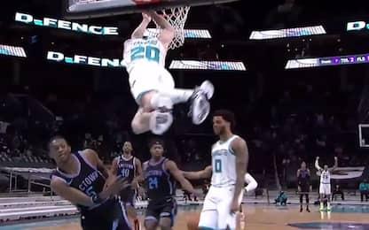 """White men can jump"": dimostra Hayward. VIDEO"