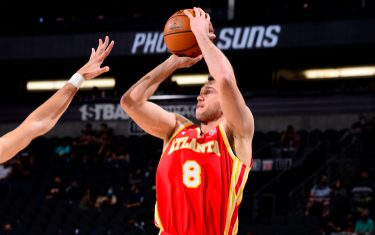 PHOENIX, AZ - MARCH 30: Danilo Gallinari #8 of the Atlanta Hawks shoots the ball during the game against the Phoenix Suns on March 30, 2021 at Talking Stick Resort Arena in Phoenix, Arizona. NOTE TO USER: User expressly acknowledges and agrees that, by downloading and or using this photograph, user is consenting to the terms and conditions of the Getty Images License Agreement. Mandatory Copyright Notice: Copyright 2021 NBAE (Photo by Barry Gossage/NBAE via Getty Images)
