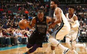 CHARLOTTE, NC - MARCH 22:  Kemba Walker #15 of the Charlotte Hornets handles the ball against the Memphis Grizzlies on March 22, 2018 at Spectrum Center in Charlotte, North Carolina. NOTE TO USER: User expressly acknowledges and agrees that, by downloading and or using this photograph, User is consenting to the terms and conditions of the Getty Images License Agreement.  Mandatory Copyright Notice: Copyright 2018 NBAE (Photo by Brock Williams-Smith/NBAE via Getty Images)