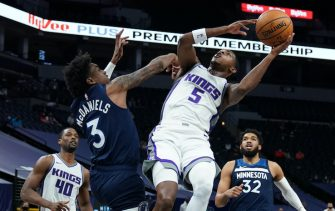 MINNEAPOLIS, MN -  APRIL 5: De'Aaron Fox #5 of the Sacramento Kings shoots the ball during the game against the Minnesota Timberwolves on April 5, 2021 at Target Center in Minneapolis, Minnesota. NOTE TO USER: User expressly acknowledges and agrees that, by downloading and or using this Photograph, user is consenting to the terms and conditions of the Getty Images License Agreement. Mandatory Copyright Notice: Copyright 2021 NBAE (Photo by Jordan Johnson/NBAE via Getty Images)