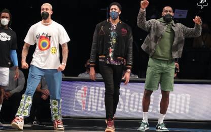 I Lakers dominano, LeBron e Davis show in panchina