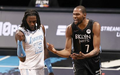 I Lakers travolgono i Nets, vincono Jazz e Suns