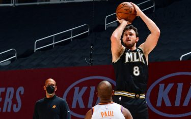ATLANTA, GA - MAY 5: Danilo Gallinari #8 of the Atlanta Hawks shoots the ball against the Phoenix Suns on May 5, 2021 at State Farm Arena in Atlanta, Georgia.  NOTE TO USER: User expressly acknowledges and agrees that, by downloading and/or using this Photograph, user is consenting to the terms and conditions of the Getty Images License Agreement. Mandatory Copyright Notice: Copyright 2021 NBAE (Photo by Scott Cunningham/NBAE via Getty Images)