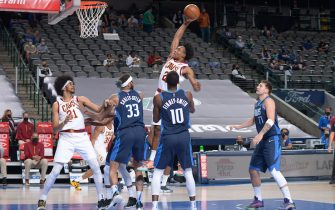 DALLAS, TX - MAY 7: Collin Sexton #2 of the Cleveland Cavaliers drives to the basket against the Dallas Mavericks on May 7, 2021 at the American Airlines Center in Dallas, Texas. NOTE TO USER: User expressly acknowledges and agrees that, by downloading and or using this photograph, User is consenting to the terms and conditions of the Getty Images License Agreement. Mandatory Copyright Notice: Copyright 2021 NBAE (Photo by Glenn James/NBAE via Getty Images)
