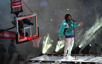 CHARLOTTE, USA - FEBRUARY 17: J Cole performs the halftime show at the Team LeBron vs Team Giannis at the 68th NBA Allstar 2019 at Spectrum Arena in Charlotte, NC, United States on February 17, 2019. (Photo by Peter Zay/Anadolu Agency/Getty Images)