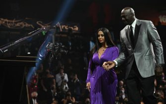 UNCASVILLE, CT - MAY 15: Michael Jordan escorts Vanessa Bryant during the 2020 Basketball Hall of Fame Enshrinement Ceremony on May 15, 2021 at the Mohegan Sun Arena at Mohegan Sun in Uncasville, Connecticut. NOTE TO USER: User expressly acknowledges and agrees that, by downloading and/or using this photograph, user is consenting to the terms and conditions of the Getty Images License Agreement.  Mandatory Copyright Notice: Copyright 2021 NBAE (Photo by Jennifer Pottheiser/NBAE via Getty Images)