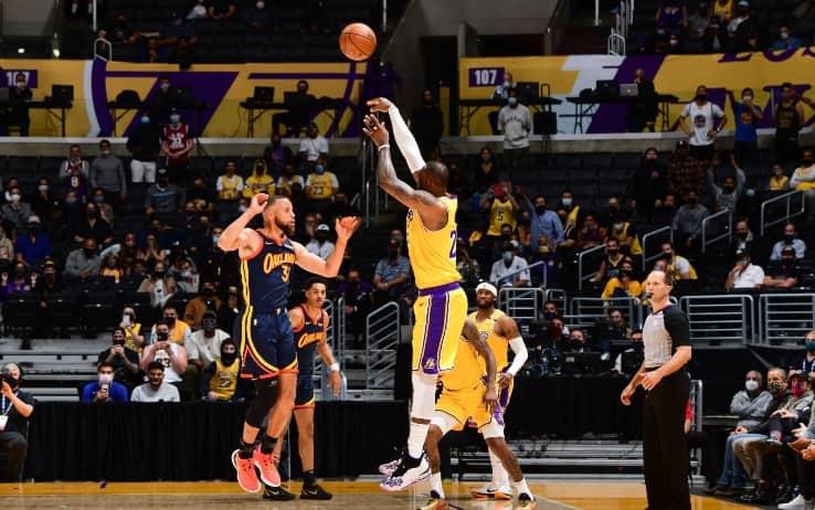 NBA – I Lakers conquistano il pass per i playoff. Warriors-Grizzlies per l'ultimo posto