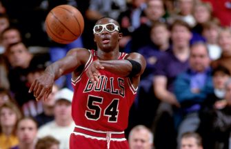 PORTLAND, OR - CIRCA 1993: Horace Grant #54 of the Chicago Bulls passes against the Portland Trailblazers circa 1993 at the Veterans Memorial Coliseum in Portland, Oregon. NOTE TO USER: User expressly acknowledges and agrees that, by downloading and or using this photograph, User is consenting to the terms and conditions of the Getty Images License Agreement. Mandatory Copyright Notice: Copyright 1993 NBAE (Photo by Brian Drake/NBAE via Getty Images)