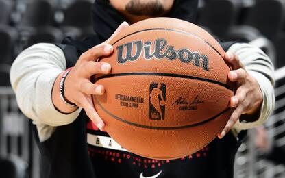 Il nuovo pallone della NBA dal prossimo anno. FOTO