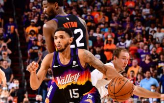 PHOENIX, AZ - JUNE 22: Cameron Payne #15 of the Phoenix Suns drives to the basket during the game against the LA Clippers during Game 2 of the Western Conference Finals of the 2021 NBA Playoffs on June 22, 2021 at Phoenix Suns Arena in Phoenix, Arizona. NOTE TO USER: User expressly acknowledges and agrees that, by downloading and or using this photograph, user is consenting to the terms and conditions of the Getty Images License Agreement. Mandatory Copyright Notice: Copyright 2021 NBAE (Photo by Barry Gossage/NBAE via Getty Images)