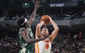 MILWAUKEE, WI - JUNE 23: Danilo Gallinari #8 of the Atlanta Hawks shoots the ball against the Milwaukee Bucks during Game 1 of the Eastern Conference Finals of the 2021 NBA Playoffs on June 23, 2021 at the Fiserv Forum Center in Milwaukee, Wisconsin. NOTE TO USER: User expressly acknowledges and agrees that, by downloading and or using this Photograph, user is consenting to the terms and conditions of the Getty Images License Agreement. Mandatory Copyright Notice: Copyright 2021 NBAE (Photo by Nathaniel S. Butler/NBAE via Getty Images).