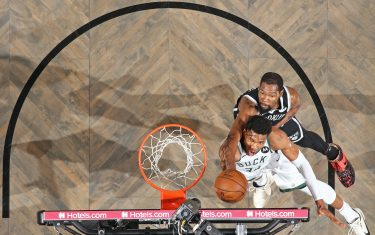 BROOKLYN, NY - JUNE 19: Giannis Antetokounmpo #34 of the Milwaukee Bucks drives to the basket as Kevin Durant #7 of the Brooklyn Nets plays defense during the game during Round 2, Game 7 of the 2021 NBA Playoffs on June 19, 2021 at Barclays Center in Brooklyn, New York. NOTE TO USER: User expressly acknowledges and agrees that, by downloading and or using this Photograph, user is consenting to the terms and conditions of the Getty Images License Agreement. Mandatory Copyright Notice: Copyright 2021 NBAE (Photo by Nathaniel S. Butler/NBAE via Getty Images)
