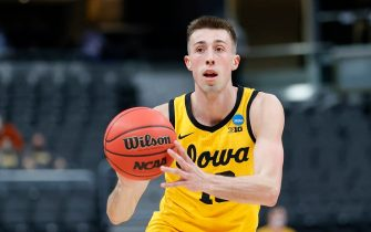 INDIANAPOLIS, INDIANA - MARCH 22: Joe Wieskamp #10 of the Iowa Hawkeyes handles the ball in the game against the Oregon Ducks in the second round of the 2021 NCAA Men's Basketball Tournament at Bankers Life Fieldhouse on March 22, 2021 in Indianapolis, Indiana. (Photo by Sarah Stier/Getty Images)