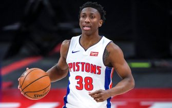 DETROIT, MICHIGAN - MAY 14: Saben Lee #38 of the Detroit Pistons handles the ball against the Denver Nuggets during the third quarter of the NBA game at Little Caesars Arena on May 14, 2021 in Detroit, Michigan. NOTE TO USER: User expressly acknowledges and agrees that, by downloading and or using this photograph, User is consenting to the terms and conditions of the Getty Images License Agreement. (Photo by Nic Antaya/Getty Images)