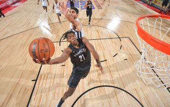 LAS VEGAS, NV - AUGUST 9: DayRon Sharpe #21 of the Brooklyn Nets drives to the basket during the 2021 Las Vegas Summer League on August 9, 2021 at the Cox Pavilion in Las Vegas, Nevada. NOTE TO USER: User expressly acknowledges and agrees that, by downloading and/or using this Photograph, user is consenting to the terms and conditions of the Getty Images License Agreement. Mandatory Copyright Notice: Copyright 2021 NBAE (Photo by David Dow/NBAE via Getty Images)