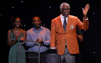 UNCASVILLE, CT - SEPTEMBER 10: Bob Dandridge receives his jacket during the Class of 2021 Tip-Off Celebration and Awards Gala as part of the 2021 Basketball Hall of Fame Enshrinement Ceremony on September 10, 2021 at the Mohegan Sun Arena at Mohegan Sun in Uncasville, Connecticut. NOTE TO USER: User expressly acknowledges and agrees that, by downloading and/or using this photograph, user is consenting to the terms and conditions of the Getty Images License Agreement. Mandatory Copyright Notice: Copyright 2021 NBAE (Photo by Brian Babineau/NBAE via Getty Images)