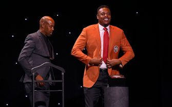 UNCASVILLE, CT - SEPTEMBER 10: Paul Pierce receives his jacket during the Class of 2021 Tip-Off Celebration and Awards Gala as part of the 2021 Basketball Hall of Fame Enshrinement Ceremony on September 10, 2021 at the Mohegan Sun Arena at Mohegan Sun in Uncasville, Connecticut. NOTE TO USER: User expressly acknowledges and agrees that, by downloading and/or using this photograph, user is consenting to the terms and conditions of the Getty Images License Agreement. Mandatory Copyright Notice: Copyright 2021 NBAE (Photo by Brian Babineau/NBAE via Getty Images)