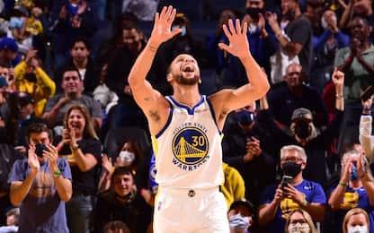 Curry show da 41 punti, Giannis ko contro Dallas