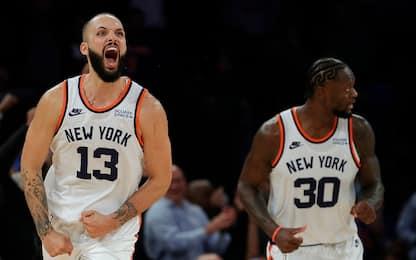 Knicks-Celtics show al 2OT, vincono Denver e Phila